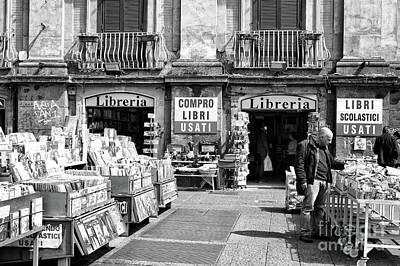 Designs Similar to Compro Libri In Naples