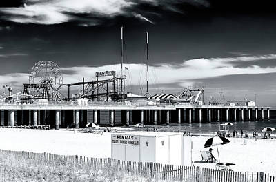 Designs Similar to Summer At Atlantic City 2006
