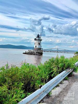 Photograph - Tarrytown Lighthouse by Cornelia DeDona