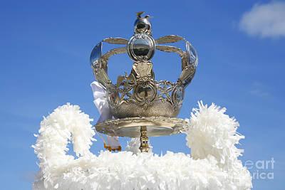 Designs Similar to Holy Spirit Crown