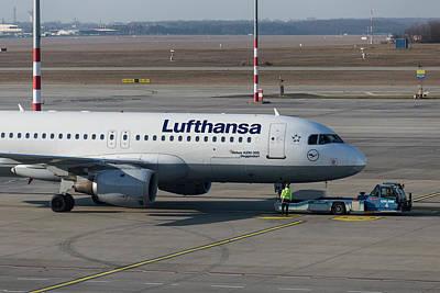 Designs Similar to Lufthansa Airbus A320-211