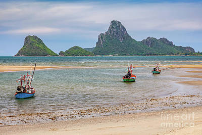 Designs Similar to Three Boats Thailand