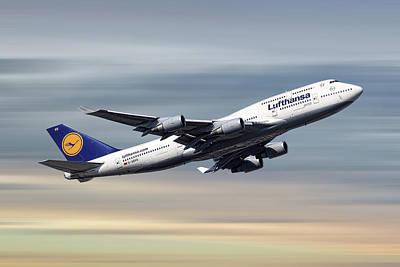 Designs Similar to Lufthansa Boeing 747-430