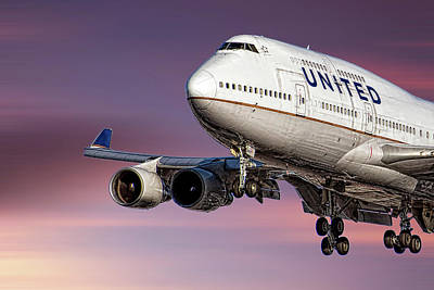 Designs Similar to United Airlines Boeing 747-422