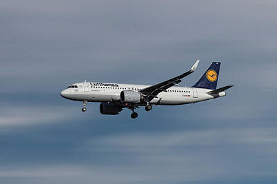 Designs Similar to Lufthansa Airbus A320-271n