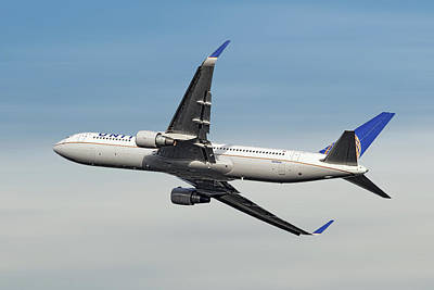 Designs Similar to United Airlines Boeing 767-322