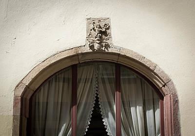 Designs Similar to Tonnelier Window