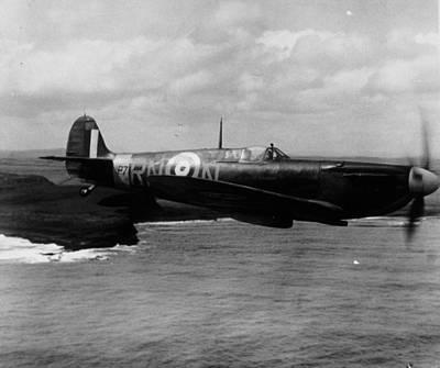 Designs Similar to Supermarine Spitfire