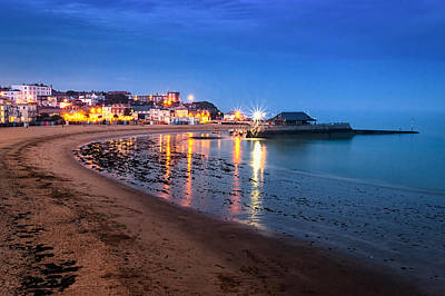 Broadstairs At Twilight.  Art Print by Ian Hufton