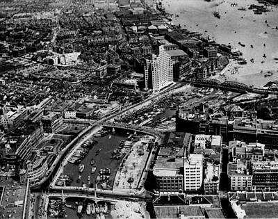 International Settlement Along Soochow Creek In 1936 Art Print by Retro Images Archive