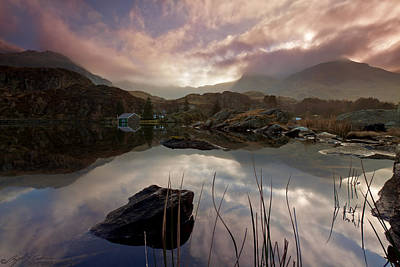 Llyn Ogwen Sunset Art Print by Beverly Cash