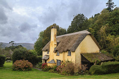 Picturesque Thatched Roof Cottage In Selworthy Art Print by Chris Smith