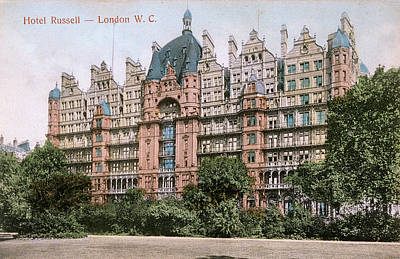 Bloomsbury Photograph -  Russell Square, Bloomsbury by Mary Evans Picture Library