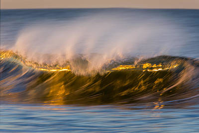 Photograph -  Wave 73a1819 by David Orias