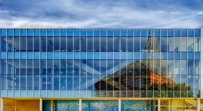 Aquarium Reflection - Chattanooga Art Print