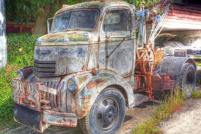 0281 Old Tow Truck Art Print