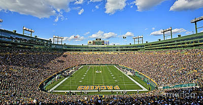 Football Royalty-Free and Rights-Managed Images - 0539 Lambeau Field by Steve Sturgill