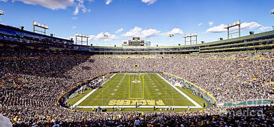Sports Royalty-Free and Rights-Managed Images - 0809 Lambeau Field by Steve Sturgill