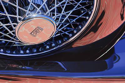 Ascot Photograph - 1929 Rolls-royce Phantom I Ascot Phaeton Spare Tire Emblem by Jill Reger
