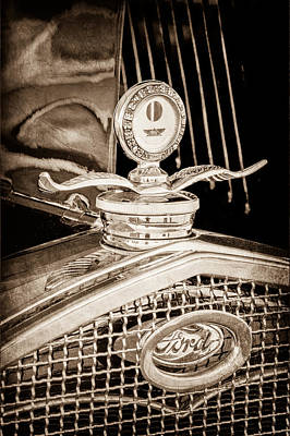 Ford Model A Photograph - 1931 Model A Ford Deluxe Roadster Hood Ornament by Jill Reger