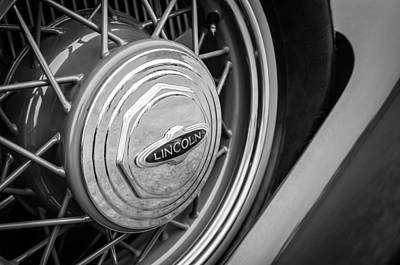 Photograph - 1933 Lincoln Kb Judkins Coupe Emblem - Spare Tire by Jill Reger