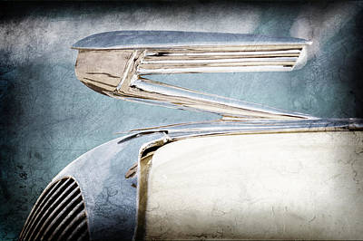 Hood Ornament Photograph - 1936 Buick 40 Series Hood Ornament by Jill Reger