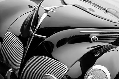 Lincoln Photograph - 1938 Lincoln-zephyr Convertible Coupe Grille - Hood Ornament - Emblem by Jill Reger