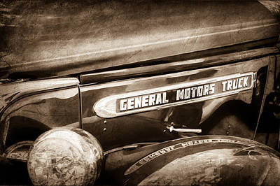 1940 Gmc General Motors Truck Emblem Art Print