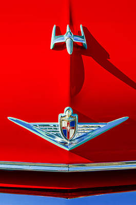 Hood Ornament Photograph - 1954 Lincoln Capri Hood Ornament by Jill Reger