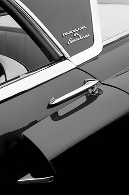 Indianapolis Photograph - 1955 Lincoln Indianapolis Boano Coupe Side Emblem -0355bw by Jill Reger