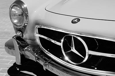 Mercedes 300sl Gullwing Photograph - 1955 Mercedes-benz 300sl Gullwing Grille Emblems by Jill Reger