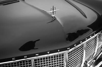 Lincoln Photograph - 1956 Lincoln Continental Mark II Hess And Eisenhardt Convertible Grille Emblem - Hood Ornament by Jill Reger
