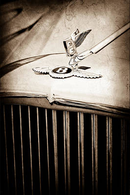 Hood Ornament Photograph - 1957 Bentley S-type Hood Ornament - Emblem by Jill Reger