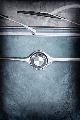 Bmw Vintage Cars Photograph - 1959 Bmw 600 Isetta Embelm by Jill Reger