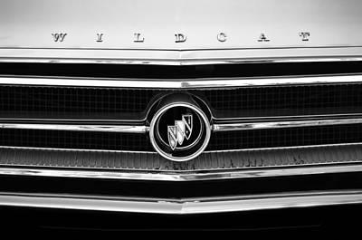 Buick Emblem Photograph - 1963 Buick Wildcat Grille Emblem by Jill Reger