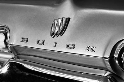 Buick Emblem Photograph - 1967 Buick Lesabre Grille Emblem by Jill Reger