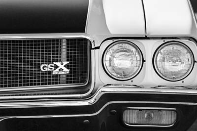 Photograph - 1970 Buick Gsx Grille Emblem by Jill Reger