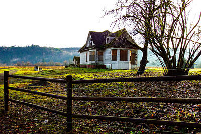 Photograph - Abandon Farm House by Ron Roberts