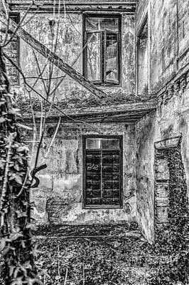 Photograph - Abandoned Villa by Traven Milovich