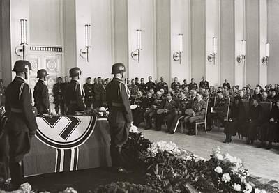 Goering Photograph - Adolf Hitler, Hermann Goering by Everett