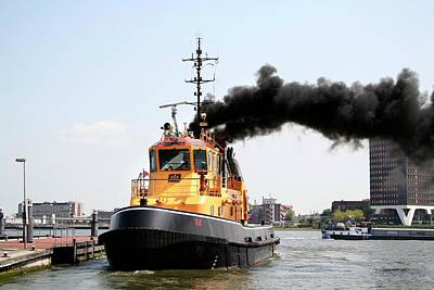 Tugboat Wall Art - Photograph - Air Pollution by Chris Martin-bahr/science Photo Library