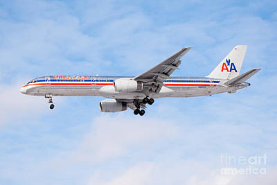 Passenger Plane Photograph - Amercian Airlines Boeing 757 Airplane Landing by Paul Velgos