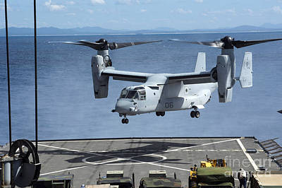 Germantown Photograph - An Mv-22 Osprey Lands On The Flight by Stocktrek Images