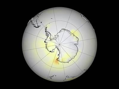 Austral Wall Art - Photograph - Antarctic Temperatures by Gsfc Svs/nasa/science Photo Library