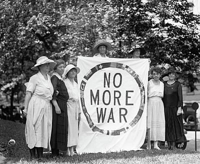 Anti-war Protest, 1922 Art Print by Granger