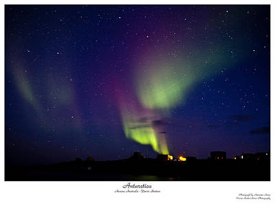 Photograph - Aurora Australis by David Barringhaus