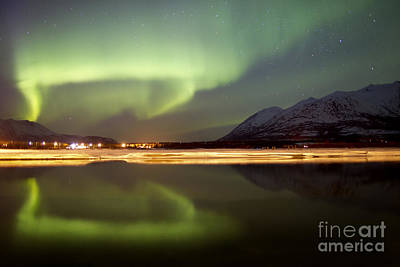 Photograph - Aurora Borealis Over Nares Lake by Joseph Bradley