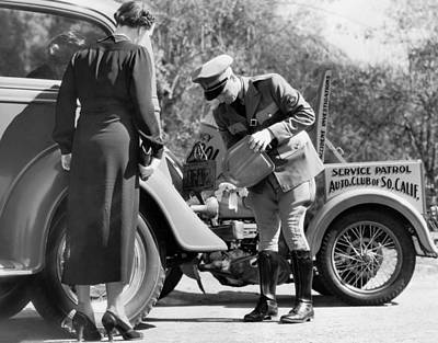 Photograph - Auto Service Patrol Gives Aid by Underwood Archives