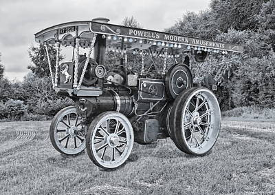 Photograph - Aveling And Porter Showmans Tractor by Paul Gulliver