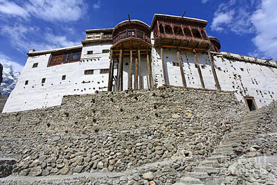 Baltit Fort At Karimabad In The Hunza Valley Pakistan Art Print by Robert Preston